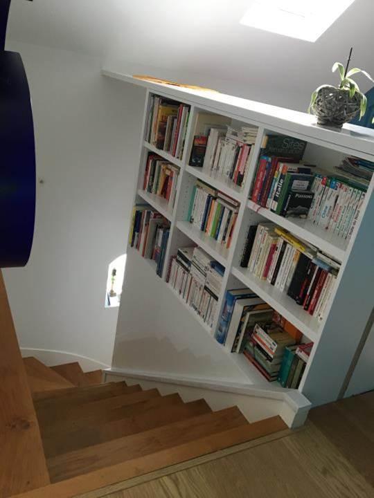 agencement cage escalier bureau bibliotheque